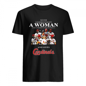 Never underestimate a woman who understands baseball and loves Cardinals  Classic Men's T-shirt